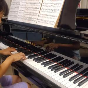 市来法子音楽教室の生徒様のお家での練習風景だよ