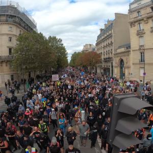 フランスで毎週末に起きているワクチンパスポートに対するデモ(マニフェスト)について