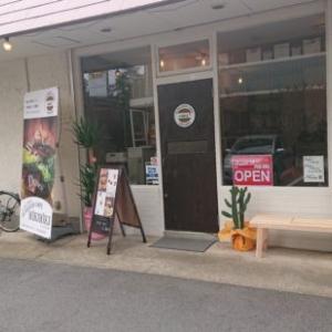 バーガーズカフェウィキウィキ@つくば市天久保でボリュームたっぷりハンバーガー!