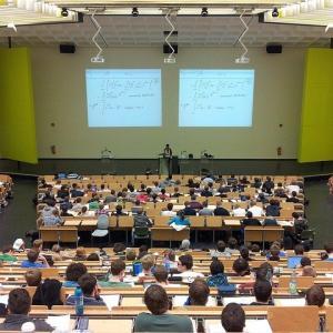 フランスのシェアハウス、学生たちは新しい環境づくりに一生懸命!
