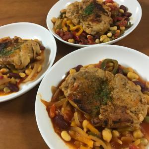 俺様の野菜~鶏もも肉のトマト煮~煮込みキャベツ~じゃがいも麺つゆバター