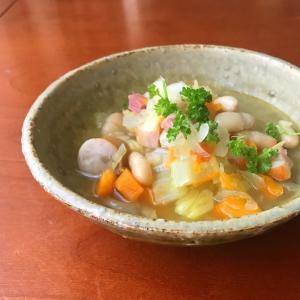 インゲン豆の入ったスープ