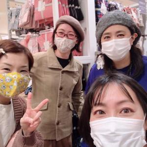 ユニクロにも行く、MUJIツアー!!