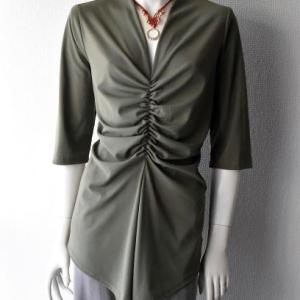 【新作】マクラメネックレス(完成)+【旧作】服
