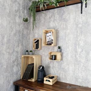 コンテナガレージリフォーム記録⑤ IKEAの木箱で壁面ディスプレイ♪