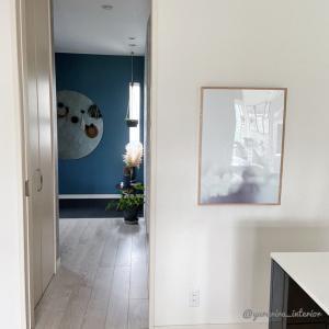DIY★インターホンやスイッチをポスターを使った扉で隠す