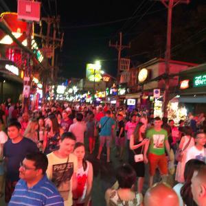 真夜中のバングラ通り Midnight Bangla Road