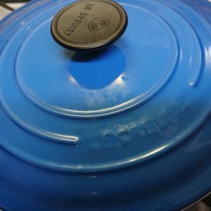 ルクルーゼのお鍋を二つ使って…。