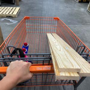 ホームデポで木材を切ってもらう