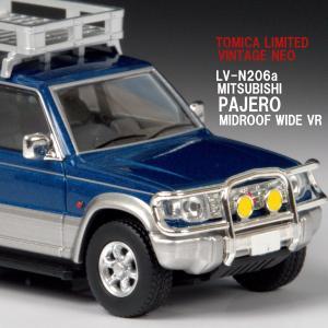LV-N206a 1/64 三菱 パジェロ ミッドルーフワイドVR オプションパーツ装着車 94年式 (青/銀)【トミカリミテッドヴィンテージネオ】