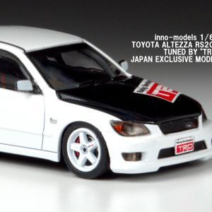 トヨタ アルテッツア RS200 TUNED BY TRD 【inno-models 1/64】