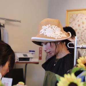 シロガネーゼの麦わら帽子をコーデ