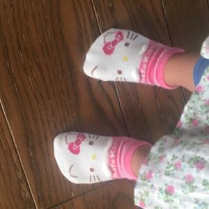 キティーちゃんの靴下