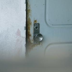 結露防止で玄関ドアは?