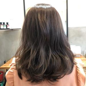 髪の毛って引っ張ると傷みますよ