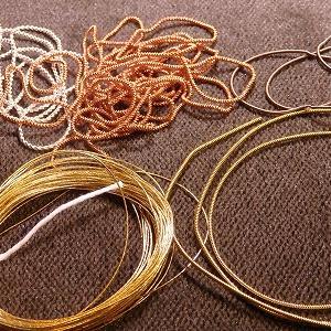 キツネさん用の糸
