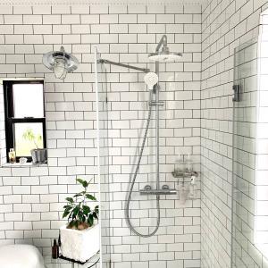 TOTOの美しいオーバーヘッドシャワー付シャワーバーを一年半使ってみて