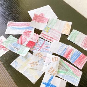 国旗絵本に夢中の子どもたち 幼児におススメ絵本
