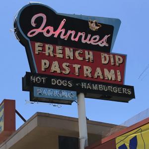 パストラミサンド at Johnnie's Pastrami in カルヴァーシティ