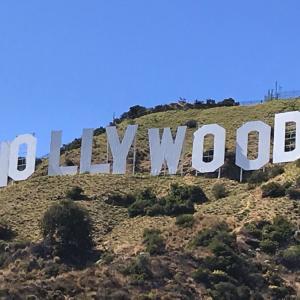 ハリウッドサインの裏側へ