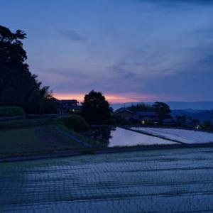 山麓の夜明け