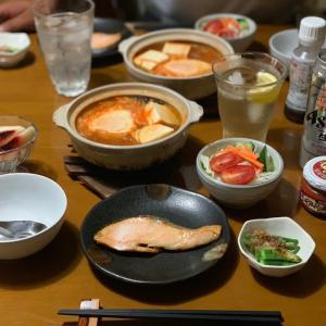 焼きマス&キムチ鍋(*^▽^*)秋の夜長に♪