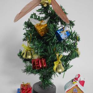 インコの羽をクリスマス飾りに!羽毛オーナメントプチアレンジ
