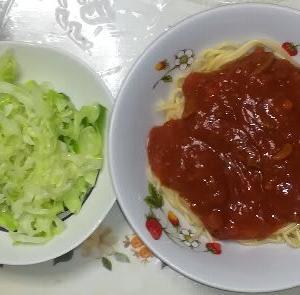 質素な食事、ミートスパゲッティー