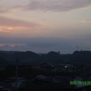 2020年05月12日、朝の桜島 写真版
