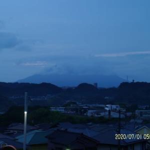 2020年07月01日、朝の桜島
