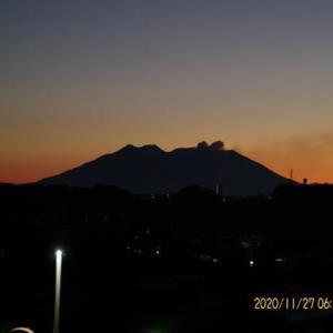 2020年11月27日、朝の桜島