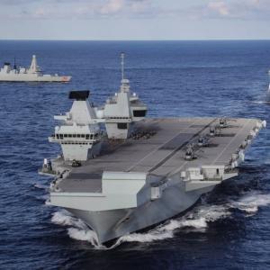 中国をけん制する英最新鋭空母艦隊がアジアへ…釜山にも寄港