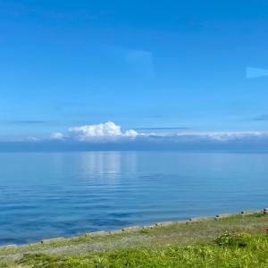 陸奥湾を眺め、青い森を抜け、八戸駅へ。/ 東北ぐるっと鉄道旅行-10