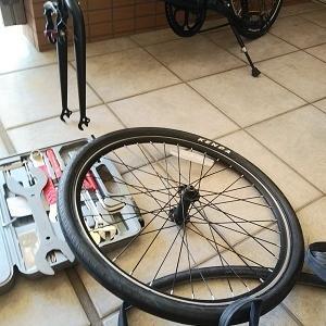 自転車: 前輪も・・・