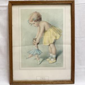 小さい女の子とお人形