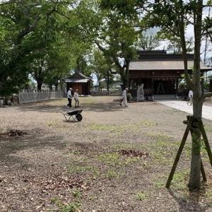 地元神社の清掃作業と護摩大祭
