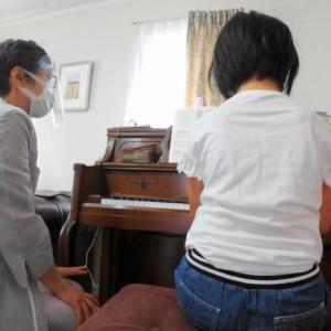 【動画あり】Rちゃん、ビーニー動物園の曲でポジション移動の練習