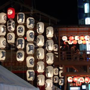 【京都】八咫烏や兎を飾る「動く美術館」月鉾【祇園祭】