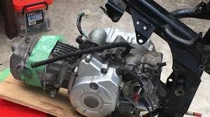 スーパーカブ110 エンジンオイル ガソリン添加剤についての考察