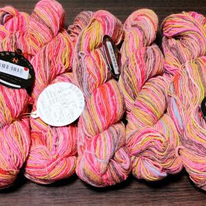ギャッとする色の毛糸 その2