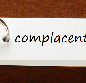英検1級レベルの単語と例文 — complacent
