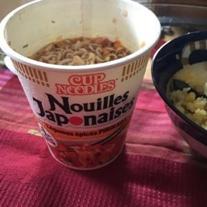 フランスでリピのカップ麺
