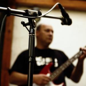 【宅録・DTM】ギターのライン録音で音がこもる悩みを解決する4つの方法
