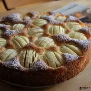 今年もりんごケーキ