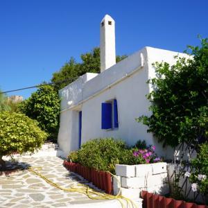 ギリシャ・シロス島生活再スタート!天国のような築300年のキクラデス様式古民家に引越しました!