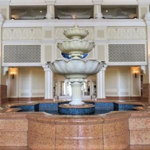 ディズニーランドホテルのロビーは奥深い!