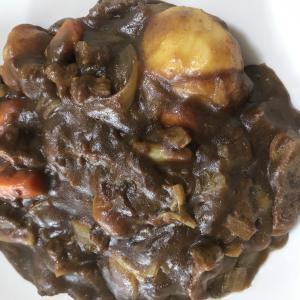 黒毛和牛の熊本県産和牛赤身すじ肉カレー