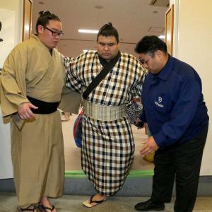 【大相撲】取組直前まさかの休場 ちゃんこ食べる前に『アァ…』