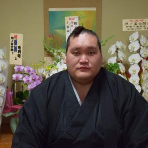 【悲報】照ノ富士、ほとんどゾンビだった・・・