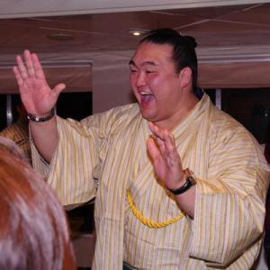遠藤も引退したら稀勢の里みたいになるんか・・・?